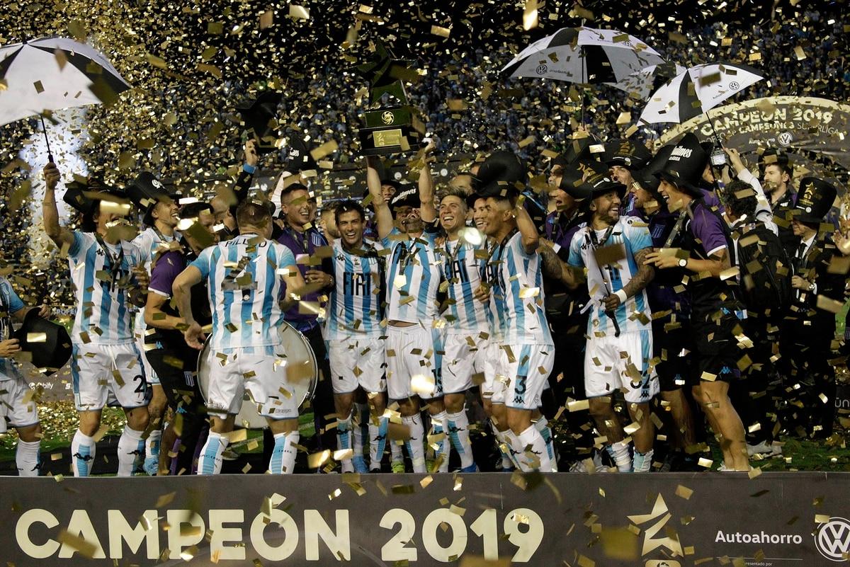 Racing derrotó a Tigre y se consagró en la primera edición del Trofeo de Campeones - Infobae