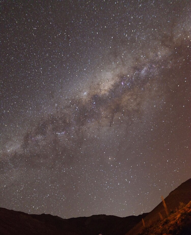 """El norte de Chile presenta el 40% de la infraestructura para la observación astronómica del mundo. Sus 300 días al año de cielos despejados lo convierten en una de las regiones más visitadas por los amantes de las estrellas, planetas y """"cazadores"""" de objetos voladores no identificados"""