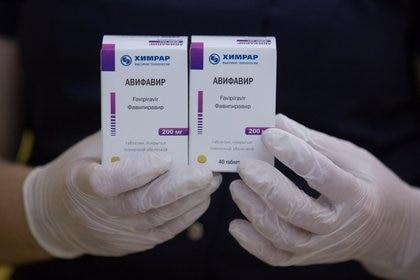 Otras versiones genéricas similares a Avifavir también pueden ser producidas por otras naciones, lo que abaratará su costo  Foto: (Andrey Rudakov/Russian Direct Investment Fund (RDIF)/Handout vía REUTERS)