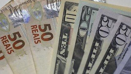 El dólar el jueves se ubicó en los 4,124 reales (Reuters/Ricardo Moraes)