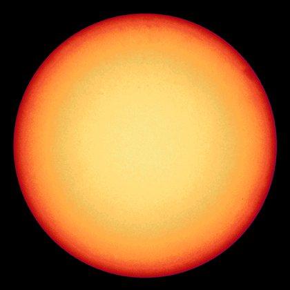 """El Sol se encuentra atravesando un mínimo período solar, pero con tormentas que llegan a la Tierra. AFP PHOTO /SOLAR ORBITER/EUI/ESA/NASA"""""""
