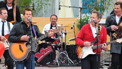 """El actor y su banda """"The Bacon Brothers"""" (Shutterstock)"""