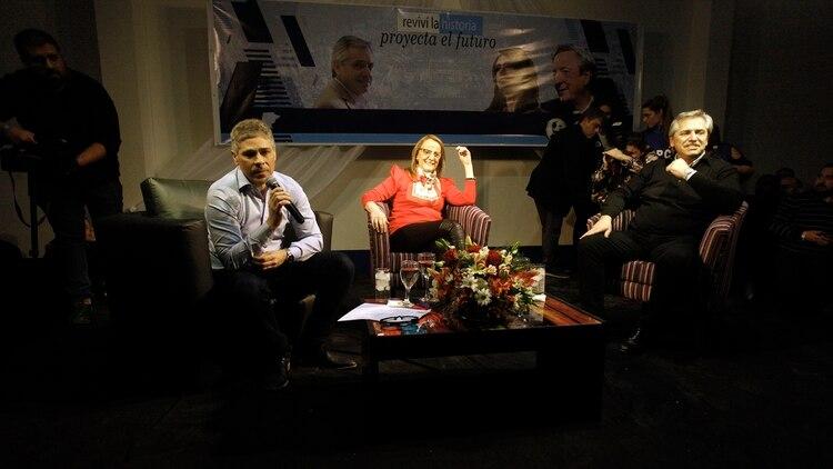 El precandidato a presidente inició su campaña en Santa Cruz (Télam)
