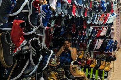 La venta de mercancía ilegal es bien vista por los mexicanos (FOTO: ANDREA MURCIA /CUARTOSCURO.COM)