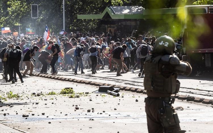 El hijo del mandatario brasileño se refirió a las protestas en Chile. (AFP)
