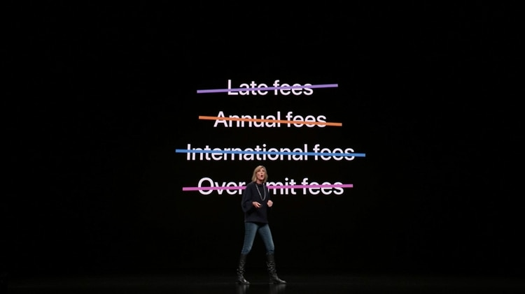 Apple no cobrará muchas de las tasas que se utilizan en el sistema bancario tradicional.