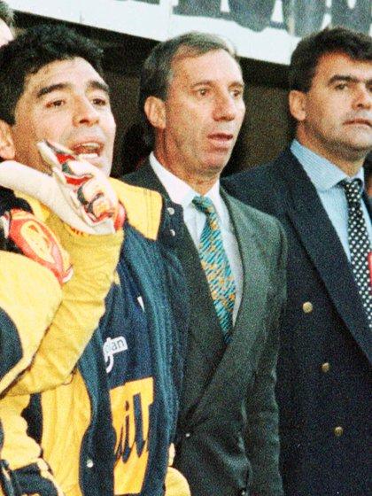 BAIRES, OCTUBRE 28: (ARCHIVO) Fotografia de archivo de Diego Maradona, Carlos Bilardo y Jose Luis Brown durante su paso por Boca en 1996