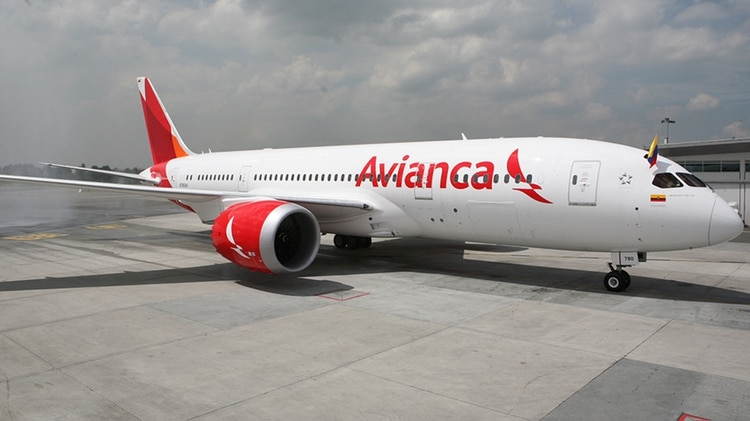 El vuelo Avianca 9761 despegó cuando le pidieron que esperar unos minutos y se encontró de frente con otro avión.