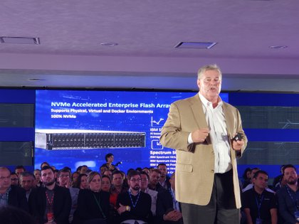 """""""La era de los datos ya está aquí"""", remarcó Eric Herzog, vicepresidente de Marketing y Gestión de Producto de Storage Systems (Sistemas de Almacenamiento) de IBM."""