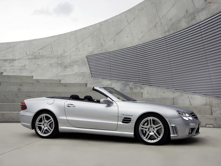 Otro roadster de Mercedes: el SL55 AMG.