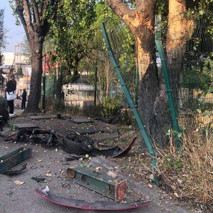 Primeros auxilios, paramédicos, bomberos y personal de limpieza se presentaron en el lugar para recoger los restos del accidente (Foto: Especial)