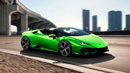 """Otro color y versión del modelo """"Huracan Evo Spyder"""" de la marca italiana"""