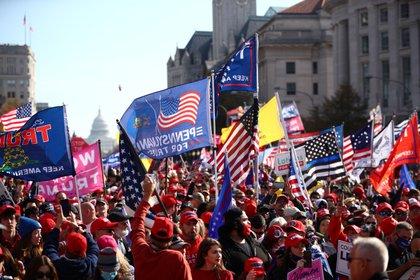 Donals Trump y sus seguidores creen que aún pueden dar vuelta la elección