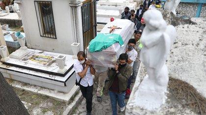 México rebasaría las 600,000 muertes reales por COVID-19, proyectó la Universidad de Washington