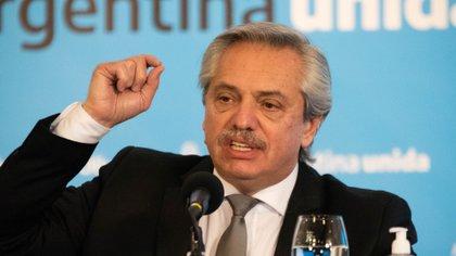 Alberto Fernández les pidió disculpas a los médicos luego de haber hablado del relajamiento del sistema sanitario
