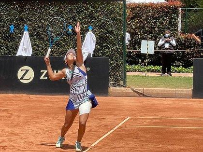 La tenista cucuteña María Camila Osorio se quedó éste domingo con el título de la Copa Colsanitas WTA 250 al imponerse en la final a la eslovena Tamara Zidanšek por 5-7, 6-3 y 6-4. Es su primer WTA que gana. (Cortesía IDRD)