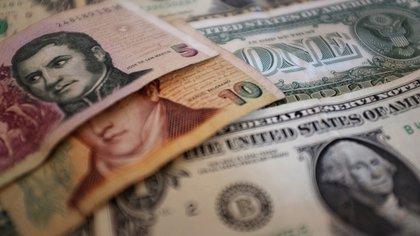 El dólar minorista alcanzó su récord de cierre de $17,40 la semana pasada.