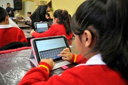 La falta de diagnósticos que tomaran en cuenta las habilidades de los profesores y de los alumnos en el uso de la tecnología ha sido parte fundamental en losfracasos de laSecretaria de Educación Pública. (Foto: Saúl López/Cuartoscuro)