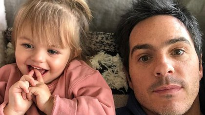 Mauricio Ochmann suele compartir en Instagram imágenes junto a su hija Kailani (IG: mauochmann)