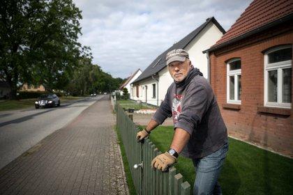 Marko Gross, administrador y líder no oficial de Nordkreuz, en su casa en Banzkow (Gordon Welters / The New York Times)