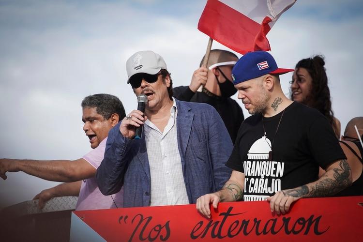 El actor Benicio del Toro también dio un discurso en la protesta (AFP)