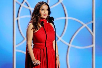 Salma Hayek se robó las miradas de los Golden Globes con espectacular vestido rojo (Foto: Rich Polk/NBC Handout via REUTERS)