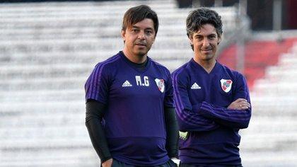 Gallardo posa junto a Buján (Foto: River Plate)