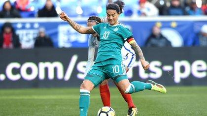 Marozsán, capitana y la número 10 de un seleccionado que publicó un fuerte video sobre la discriminación en el fútbol (Shutterstock)