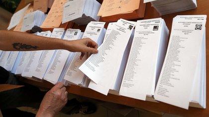 La legitimidad de las elecciones se pone en cuestión a partir de la manipulación de la intención de voto que hacen posible los datos masivos. (Reuters)
