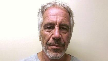 El financista estadounidense Jeffrey Epstein aparece en una fotografía tomada para el registro de delincuentes sexuales de la División de Servicios de Justicia Penal del Estado de Nueva York