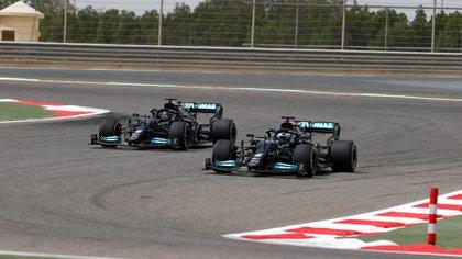 Lewis Hamilton y Valtteri Bottas estuvieron inestables durante las pruebas de pretemporada de la Fórmula 1 (Foto: @MercedesAMGF1)