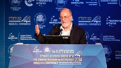 El científico militar Isaac Ben-Israel elaboró el estudio que explica el fin del crecimiento exponencial del coronavirus