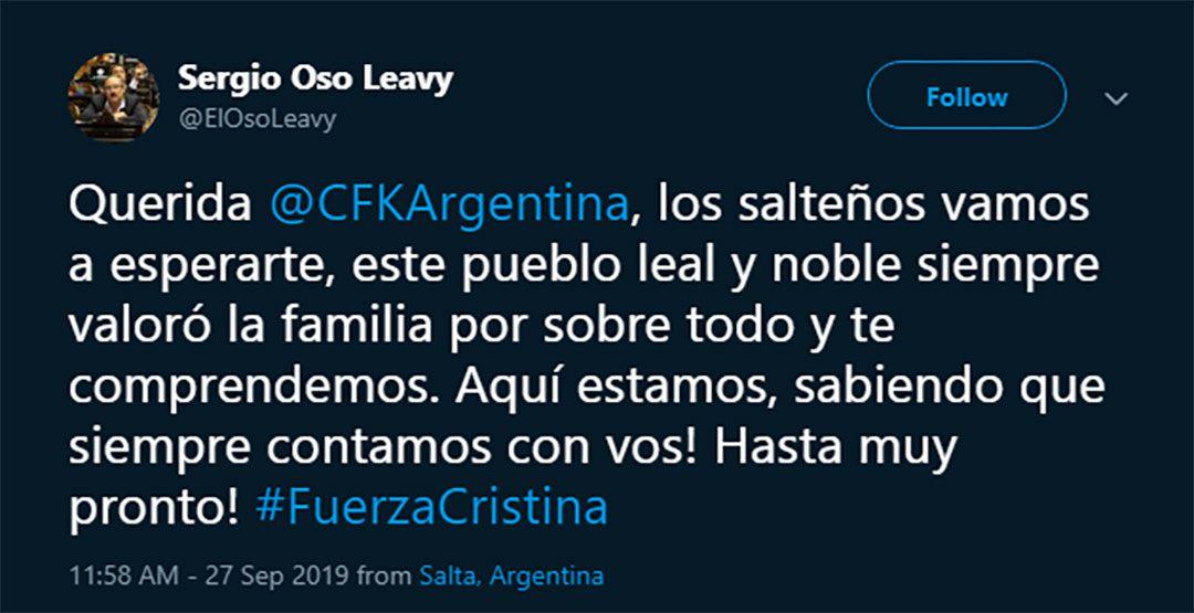 El mensaje del precandidato a gobernador kirchnerista ante el sorpresivo viaje de Cristina