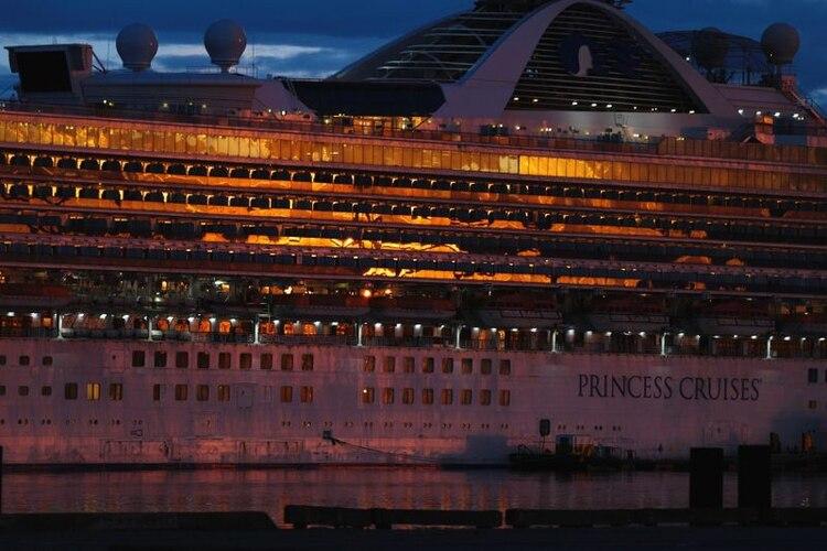 El crucero Grand Princess que transportaba pasajeros que dieron positivo por coronavirus, estuvo aislado durante varios días en California