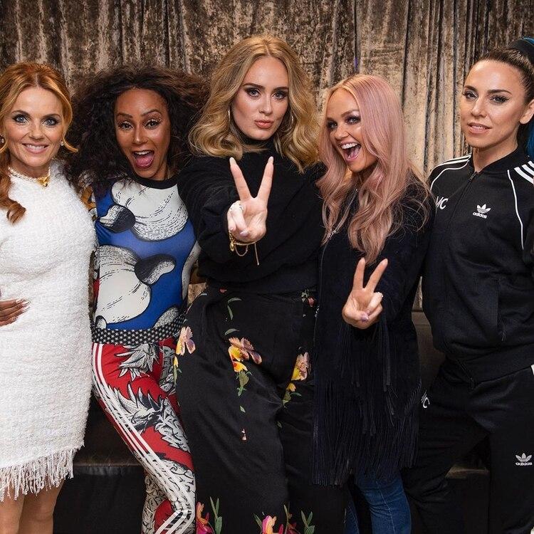 Adele con las Spice Girls