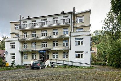 """El """"Palacio"""" de Zakopane hoy día, un museo dedicado a la memoria de las víctimas (Wikimedia Commons/Piotrekwas)"""