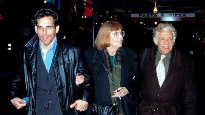 Ben Stiller con sus padres Jerry y Anne (Shutterstock)