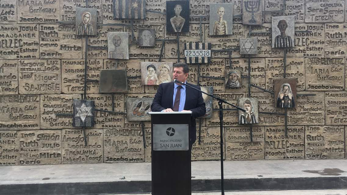 """Ariel Gelblung, representante para América Latina del Centro Simon Wiesenthal, pidió a las autoridades """"actuar con toda la fuerza de la ley"""""""