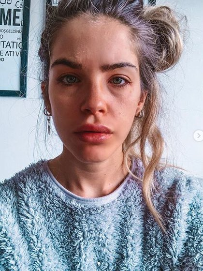 El rostro de Delfi Ferrari tras haber probado maquillaje falso
