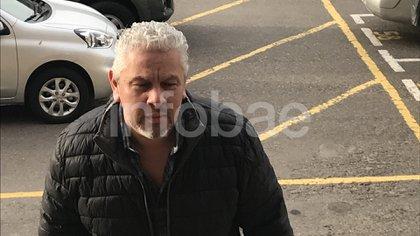 Gutiérrez ingresando a los tribunales de Comodoro Py por la causa de los cuadernos de las coimas