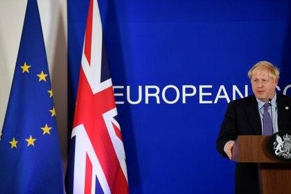 FOTO DE ARCHIVO: El primer ministro británico, Boris Johnson, durante una conferencia de prensa en la cumbre de líderes de la Unión Europea en Bruselas, el 17 de octubre de 2019. REUTERS/Toby Melville