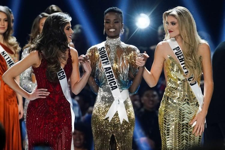 Las tres finalistas: Madison Anderson, de Puerto Rico; Zozibini Tunzi, de Sudáfrica, y Sofía Aragón, de México (Reuters)