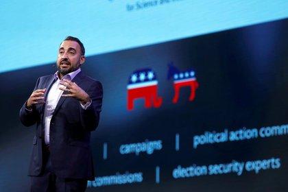 Alex Stamos, ex jefe de seguridad de Facebook, alertó sobre laos trolls rusos(Steve Marcus/Reuters)