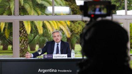 """Fernández abogó por que las cárceles """"no se conviertan en mercados negros"""" (Presidencia)"""