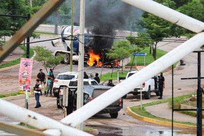 Pistoleros del Cártel de Sinaloa REUTERS/Jesus Bustamante