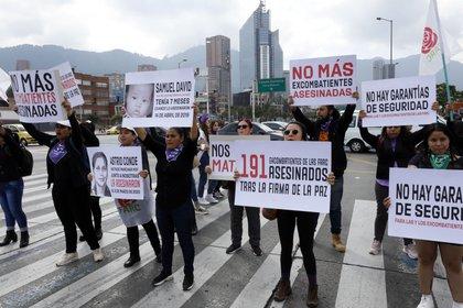 Manifestantes protestan por el asesinato de exguerrilleros de las FARC Astrid Conde. EFE/Mauricio Dueñas Castañeda/Archivo