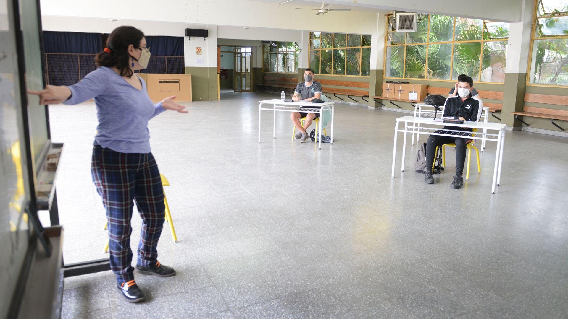 #DEF-Escuela-Interior-III