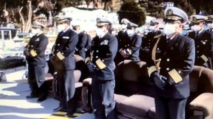 A la ceremonia asistieron oficiales del Estado Mayor General de la Armada Boliviana y oficiales de la Promoción 2013 de la Escuela Naval Militar