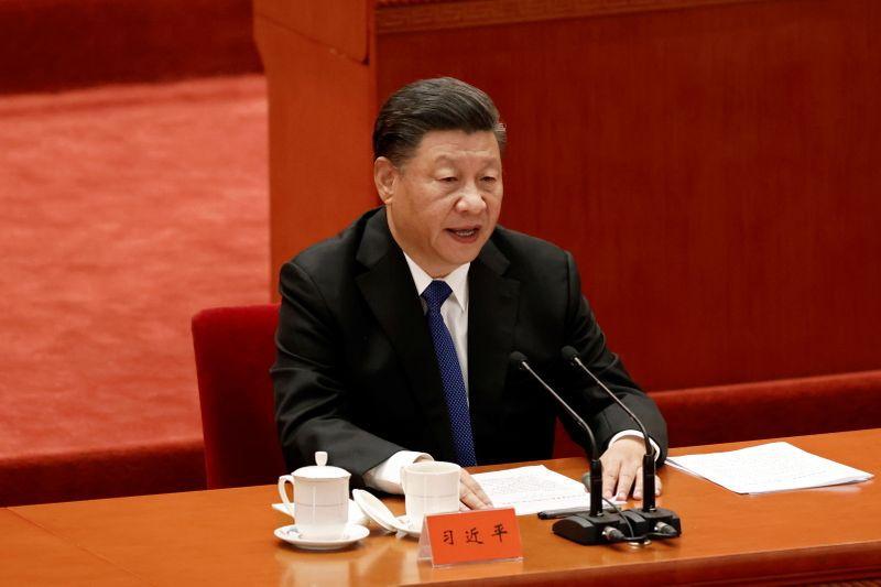 Foto del sábado del Presidente chino Xi Jinping hablando en la celebración del aniversario 110 de la Revolucion Xinhai en el Gran Salón del Pueblo en Beijing. (REUTERS/Carlos Garcia Rawlins)