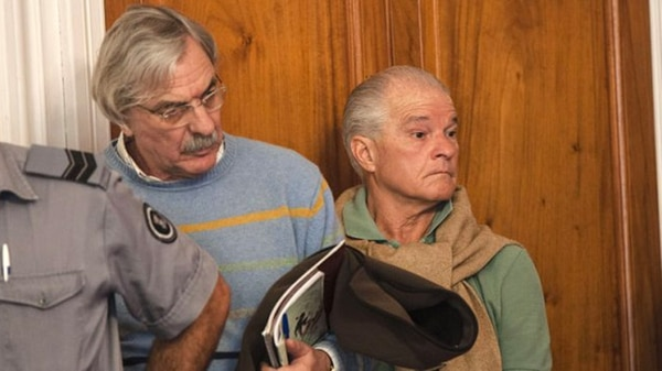 El Indio Castillo durante el juicio en el que fue condenado por siete secuestros y cuatro asesinatos cometidos cuando integraba los grupos de tareas de la CNU